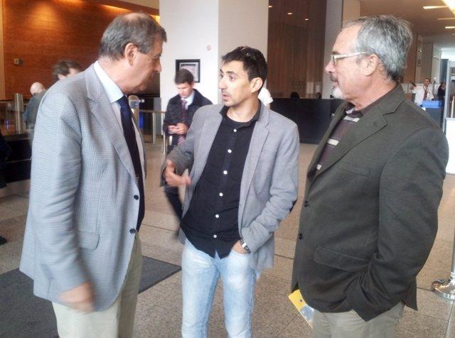 El eurodiputado de UOyD, Francisco Sosa Wagner, con ediles Serna y Sotomayor