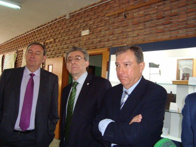 Mateos (d), en el IES Andrés Laguna.
