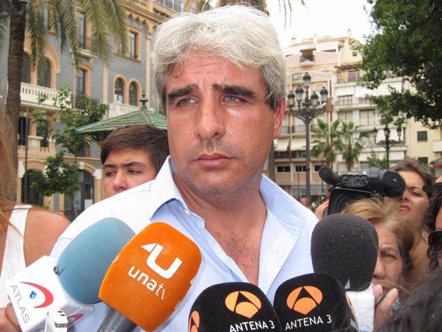 Juan David López, ante los medios.