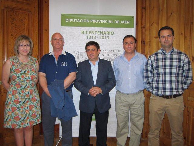 Reyes junto a Valero, Rodríguez, Ávila y la diputada de Agricultura hoy