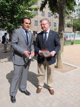 Primo Jurado (dcha.) junto al alcalde de Córdoba