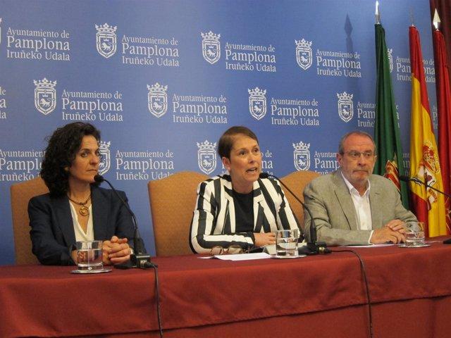 Gomez, Barkos y Cabasés en la rueda de prensa.