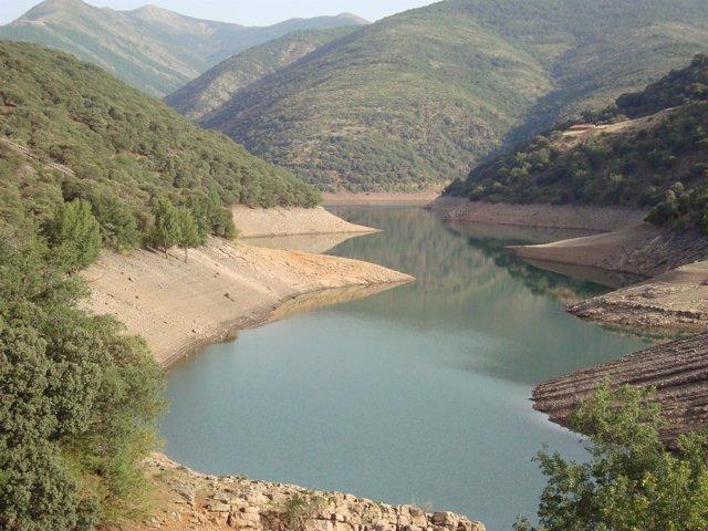 Embalse de Mansilla en La Rioja