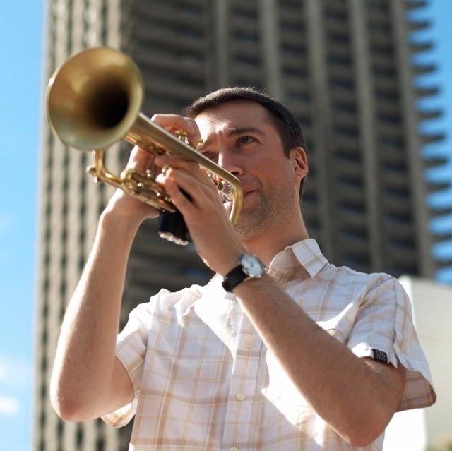 Steven Fishwick, uno del los mejores trompetistas del Reino Unido