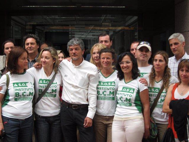 Gómez se reúne con padres de colegio San Sebastián de El Boalo