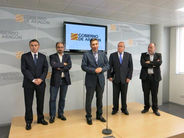 Luis M. Beamonte, J. Lambán, Ricardo Oliván, Víctor Barrio y Santiago Escándil