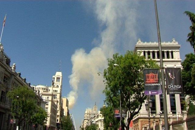 Bomberos logran controlar incendio del Teatro Alcázar