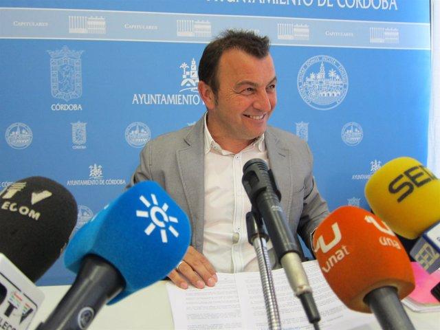 El portavoz municipal de IU, Francisco Tejada