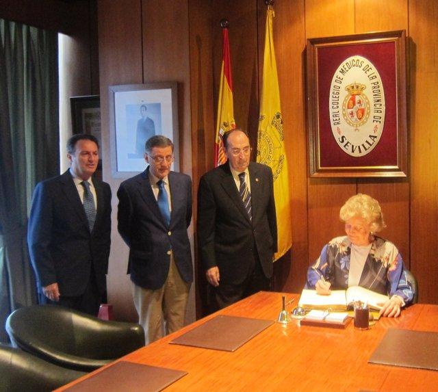 Soledad Becerril ofrece una conferencia en el Colegio de Médicos de Sevilla
