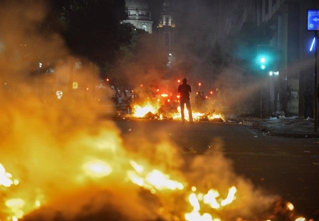 Choques entre policía y manifestantes en Brasil