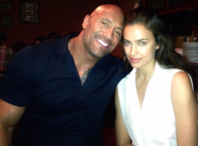 Dwayne Johnson e Irina Shayk en Hercules