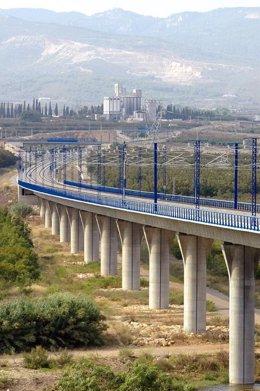 Viaducto de una línea AVE
