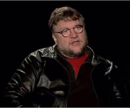 Sobrino del cineasta Guillermo Del Toro, en coma tras fiesta en una piscina