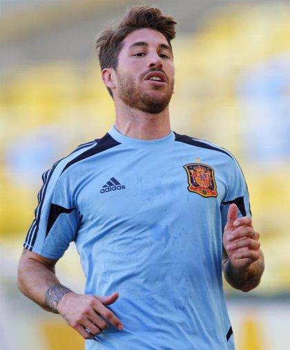 """Fútbol/Confederaciones.- Ramos niega la fiesta y dice que """"no se puede jugar con la imagen de España"""""""