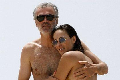 "Tras dos magnates de los negocios, Adriana Abascal confiesa que ""por fin se casa por amor"" con Emmanuel Schreder"