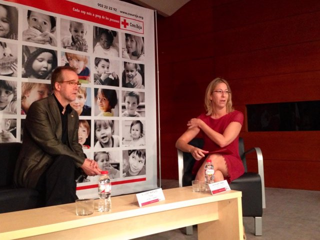 El presidente de Creu Roja, Josep Marquès, y la consellera Neus Munté