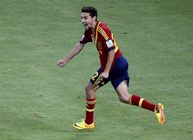 Jesús Navas celebra el penalti decisivo ante Italia