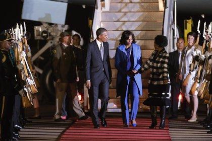 Sudáfrica.- Obama aterriza en Sudáfrica en plena incertidumbre por la salud de Mandela