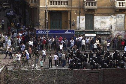 """Estados Unidos pide a los ciudadanos aplazar los viajes """"no esenciales"""" a Egipto"""