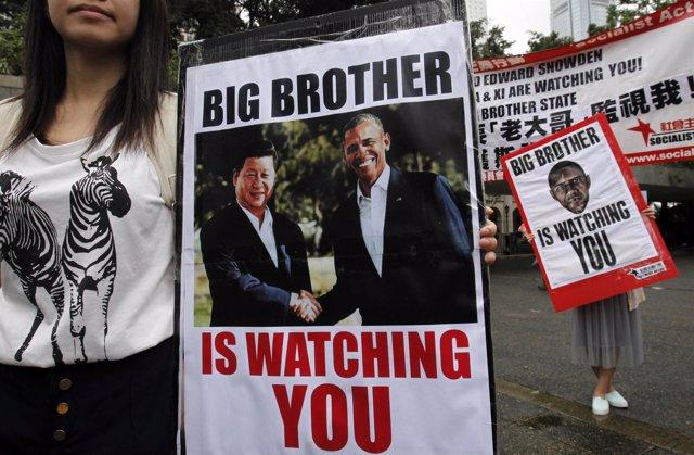 Cientos de personas piden en Hong Kong protección para Snowden