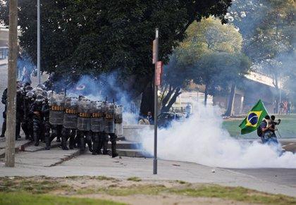 Vecinos del barrio de Maracaná se quejan de gases lacrimógenos de la Policía