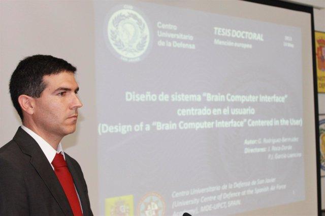 Germán Rodríguez durante la defensa de la tesis
