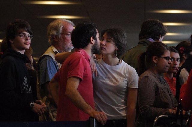 Un aeropuerto danés pone límite de tiempo a los besos de despedida