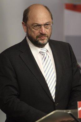 Rubalcaba y Schulz en rueda de prensa en Ferraz