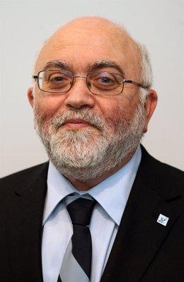 Angel Garay, presidente del Consejo de Farmacéutivos del País Vasco