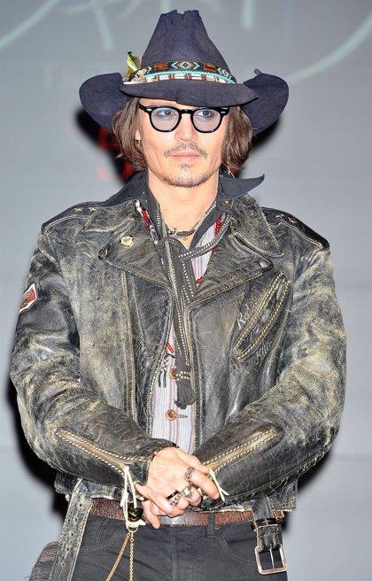 Johnny Depp aún no firma para la secuela de 'El Llanero Solitario'