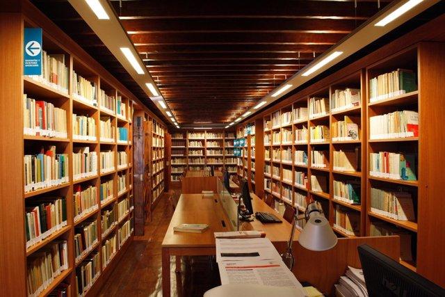 Centro De Documentación De Canarias Y América