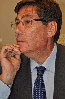El consejero de Industria, Arturo Aliaga.