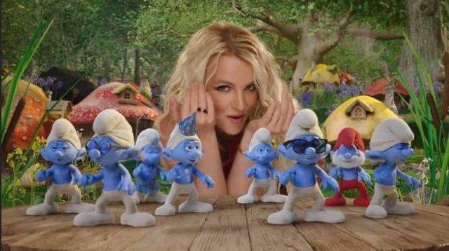 Nuevo vídeoclip de Britney Spears para la segunda parte de 'Los Pitufos'