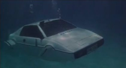 Subastarán el carro submarino de james Bond