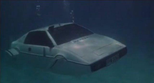 James Bond carro