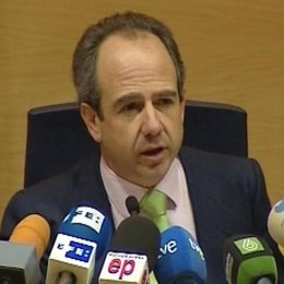 Arturo González Panero dimite como alcalde de Boadilla