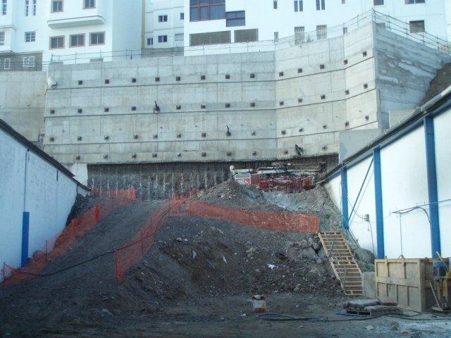 Proyecto de construcción del muro de Lomo Apolinario