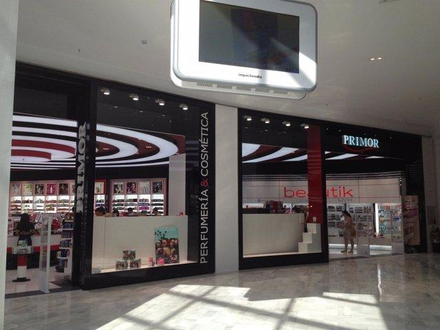 Imagen de la tienda de Primor en el Centro Comercial Los Arcos.