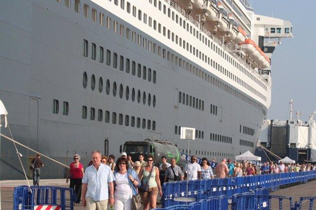 Cruceristas del Queen Mary 2 en Valencia