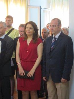 Carmen Crespo y el alcalde de Almería, Luis Rogelio Rodríguez-Comendador