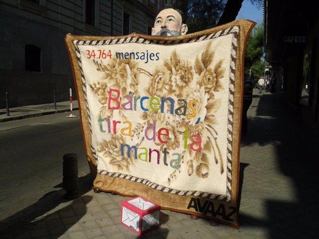 Manifestantes ante la Audiencia Nacional durante la declaración de Luis Bárcenas