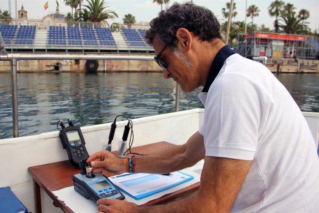 Javier Romo, responsable técnico de Medio Marino del Puerto de Barcelona