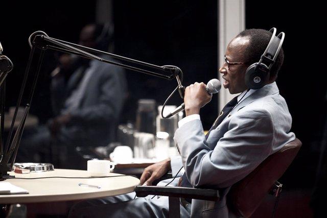 Escena de la obra 'Hate radio' sobre el genocidio de Ruanda