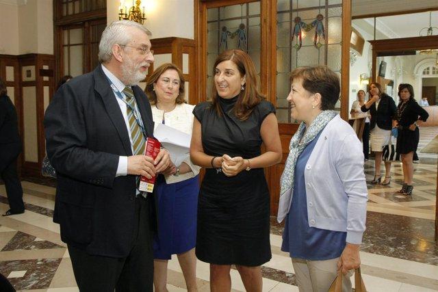 La vicepresidenta y consejera de Sanidad en la UIMP