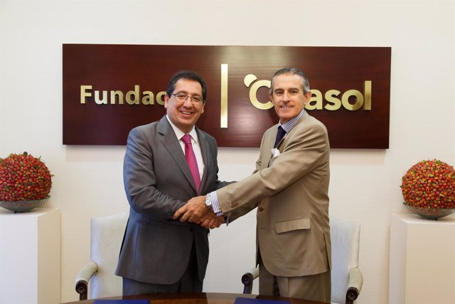 Fundación Cajasol y Europa Press Delegaciones firma convenio de colaboración