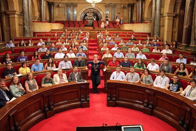 Universitarios se convierten en diputados del Parlament