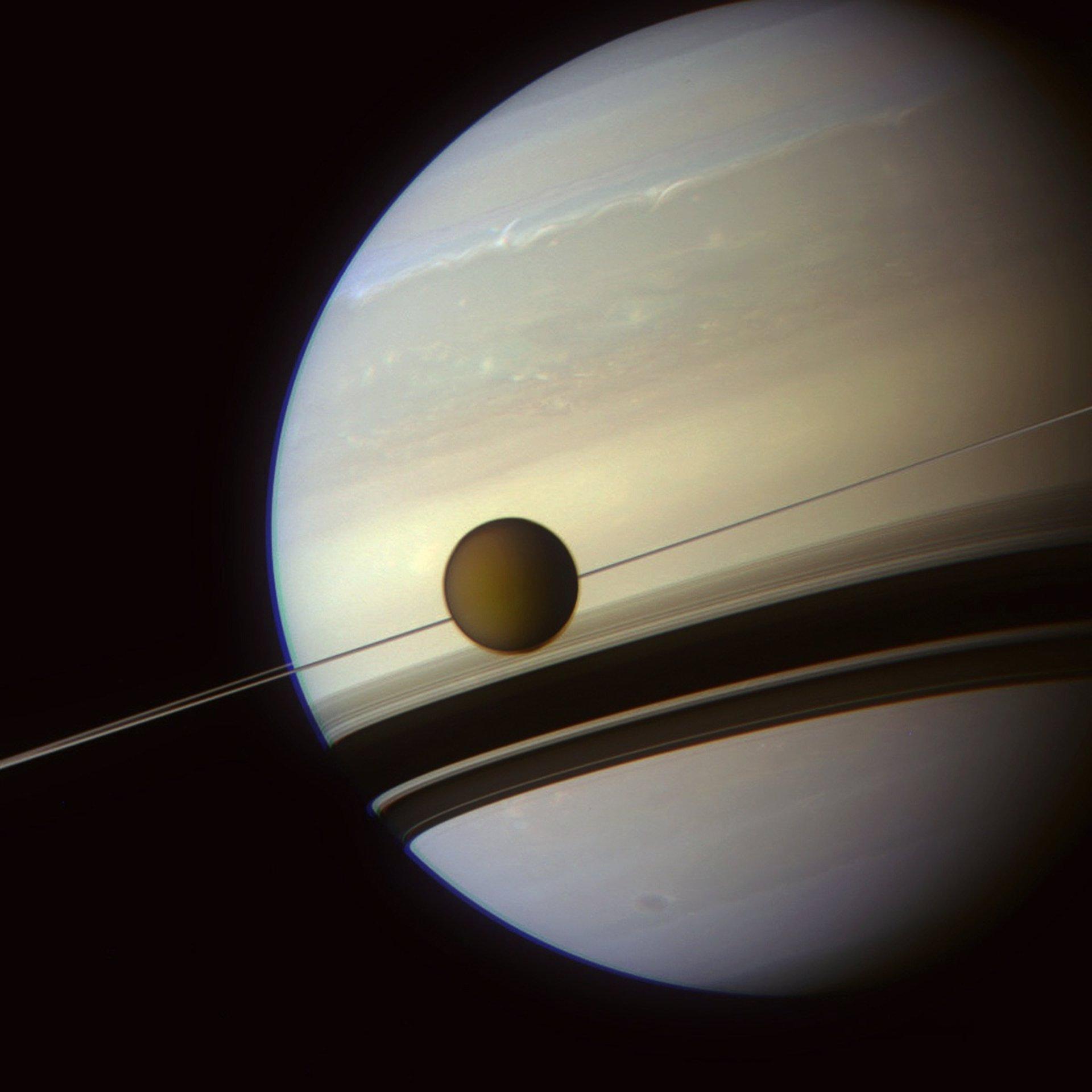 Cassini fotografiará la Tierra entre los anillos de Saturno