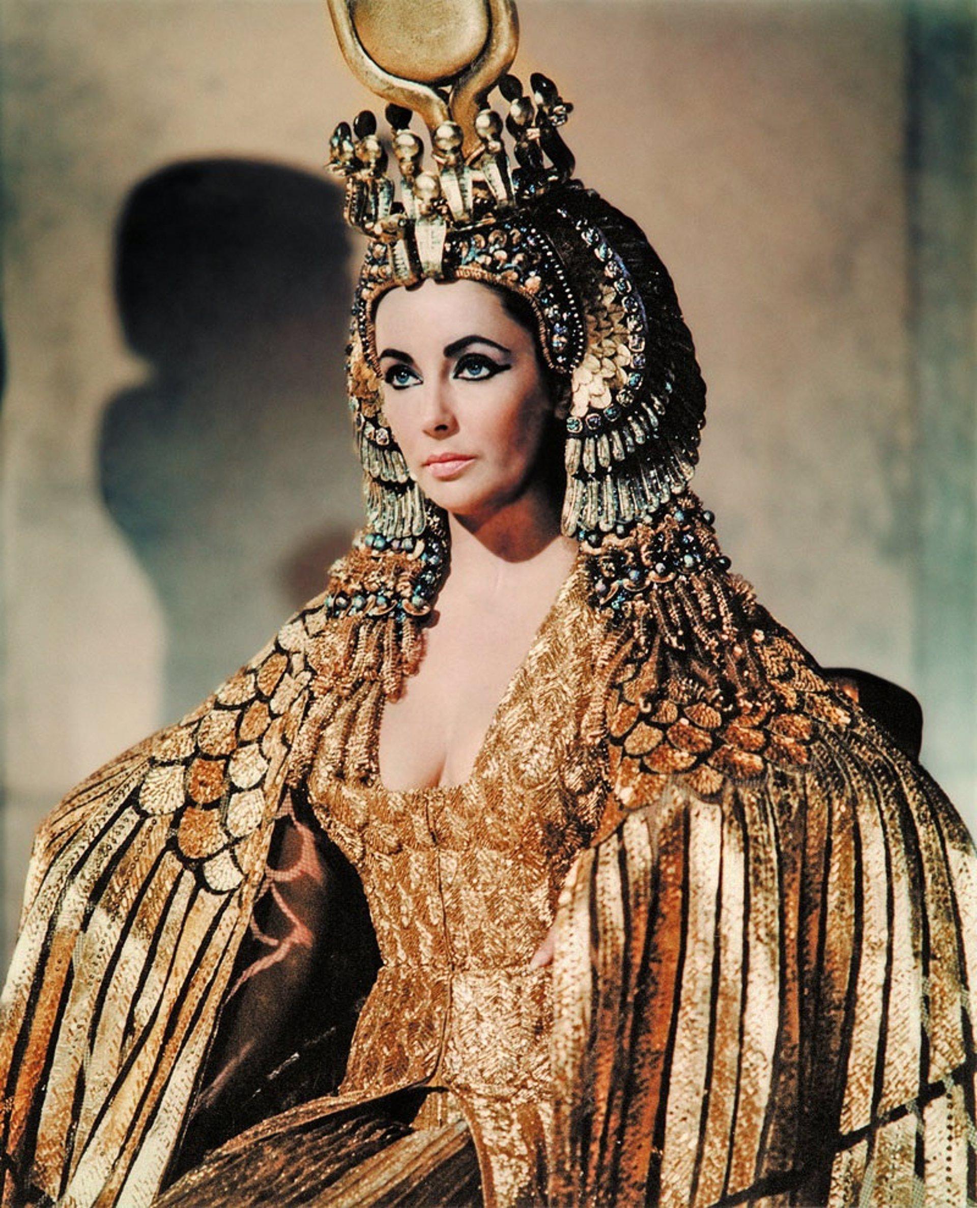 Subastan las joyas que lució Liz Taylor en Cleopatra