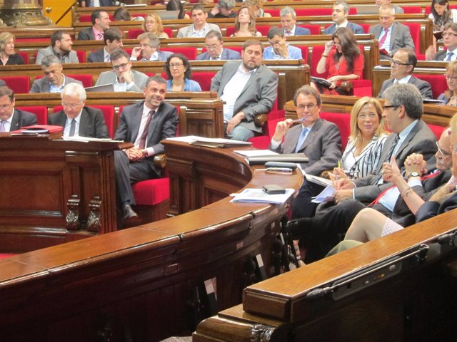 El Govern, en el Pleno del Parlament