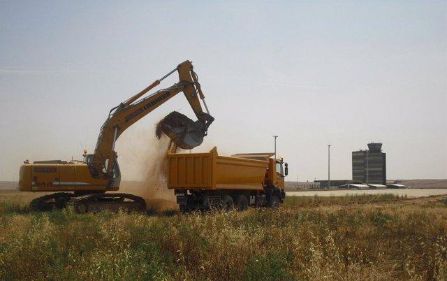 Inicio de las obras del parque aeronáutico del Aeropuerto de Lleida